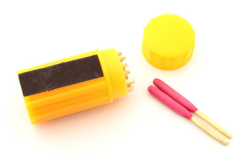 画像1: 防雨防風マッチ 防災用品